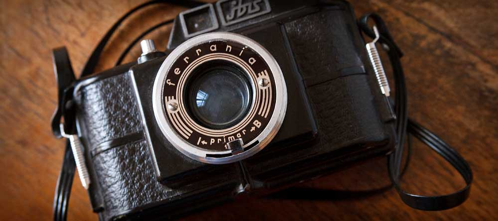 vecchia-macchina-fotografica-max-mencarelli