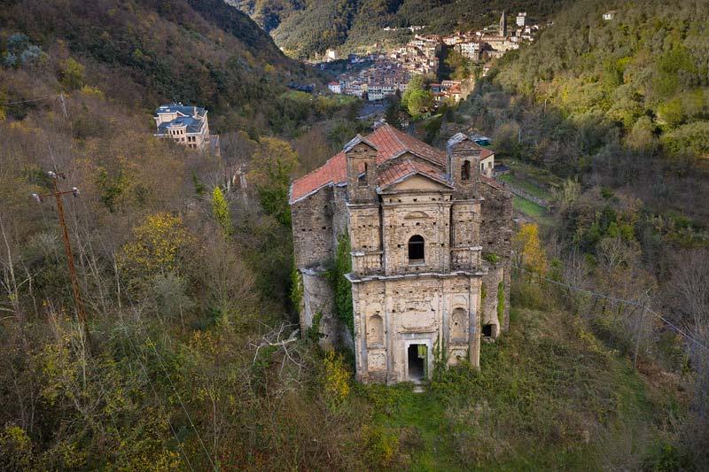 Pigna, chiesa di Santa Maria Assunta, Liguria