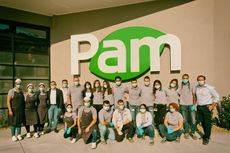 Inauguration new Pam supermarket, 12.42 p.m.