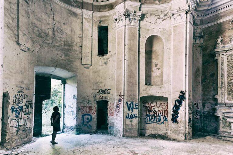 Chiesa abbandonata di Santa Maria Assunta, Pigna, Val Nervia,14.01 p.m.